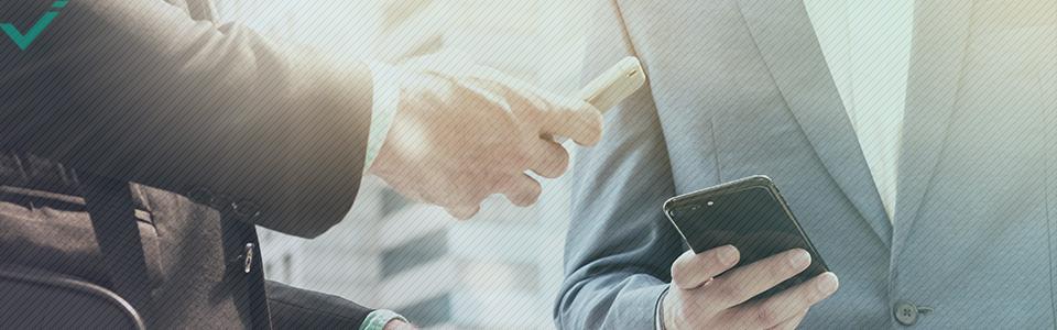 Inoltre, uno studio del 2010 suggerisce che il social media marketing consente alle aziende di migliorare le relazioni esistenti con i consumatori, aumentando potenzialmente il giro di affari dello shopping online.
